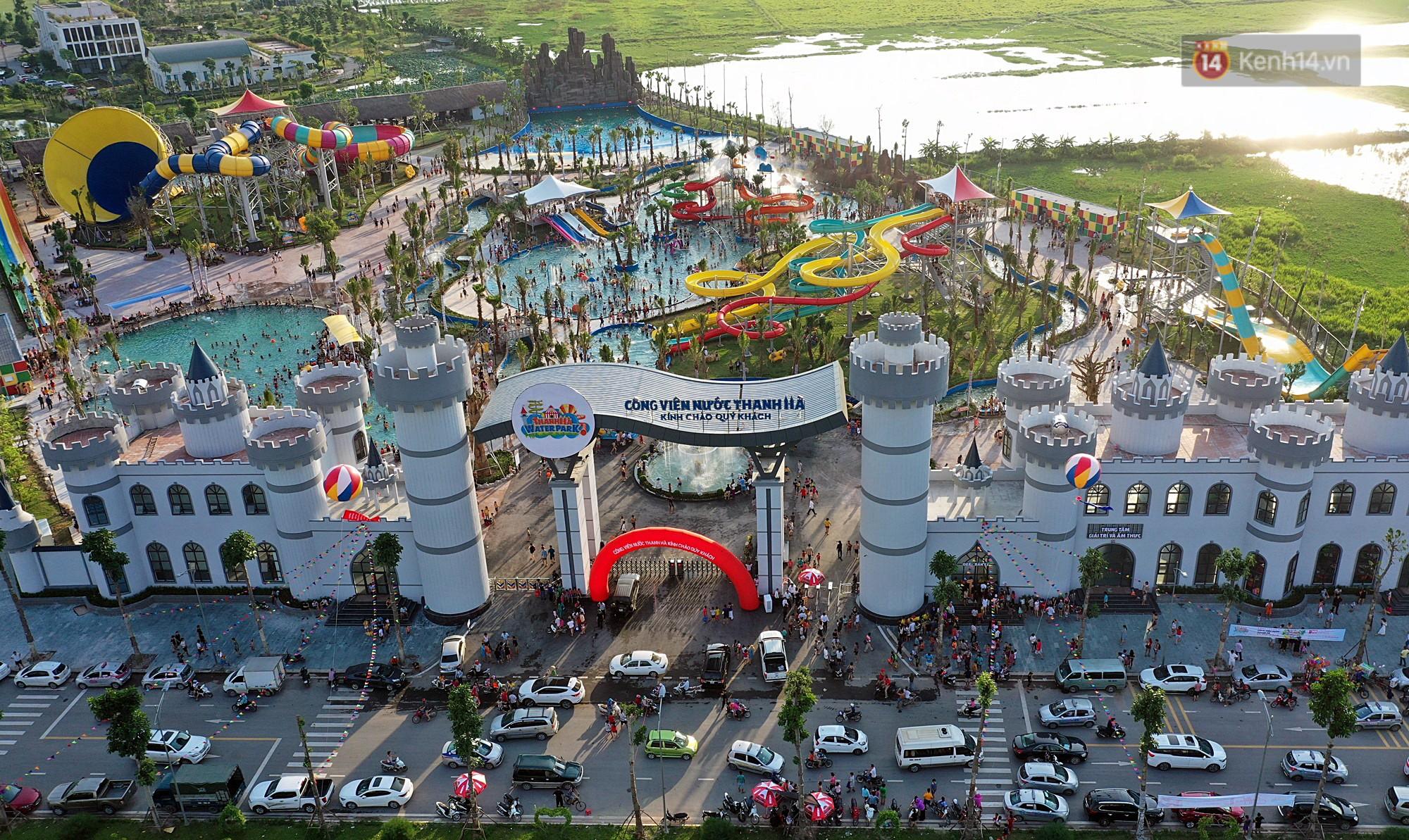 Lượng khách đổ về công viên nước hiện đại nhất Thủ đô tăng đột biến vào buổi chiều ngày khai trương - Ảnh 4.