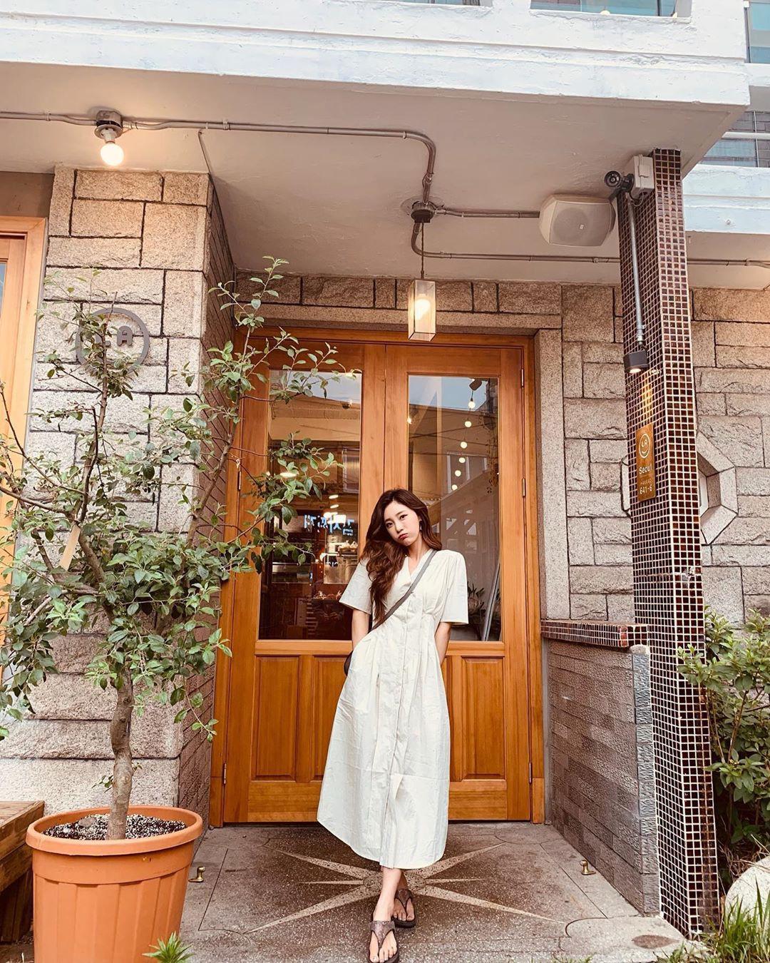 Street style Châu Á: Toàn tập là màu trắng, bộ nào bộ nấy đều đẹp và dễ mặc - Ảnh 4.