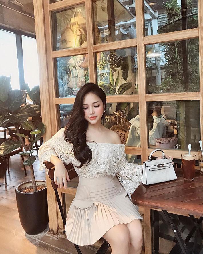 Street style hot mom Việt: Ngọc Anh, Nam Thương cùng loạt người đẹp lên đồ xì tin hack tuổi và quan trọng là mát mẻ hết nấc - Ảnh 9.