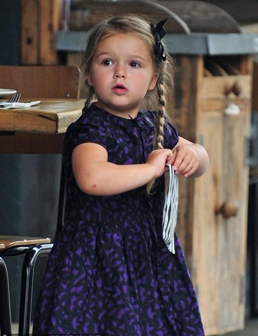 Hành trình nhan sắc 2 công chúa nhà sao hot nhất Hollywood: Harper Beckham xinh ra, Suri Cruise ngày càng bị dìm - Ảnh 8.