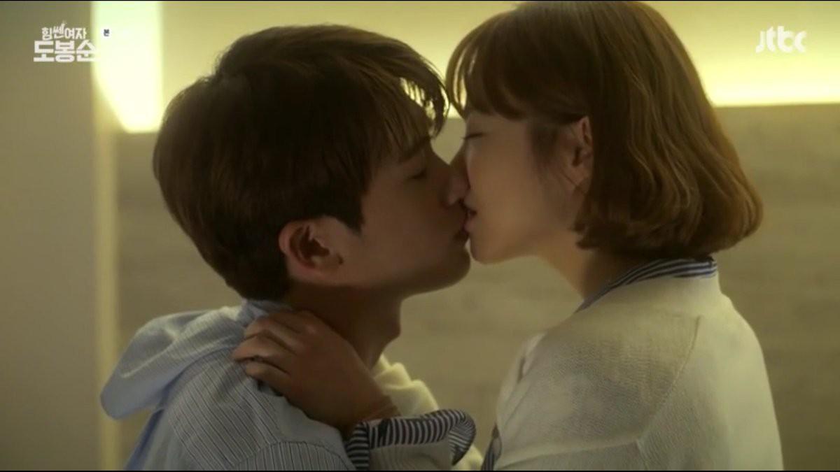 6 chàng trai vàng trong làng hôn giỏi xứ Hàn: Ji Chang Wook cũng phải chào thua màn đưa môi bạo liệt cuối cùng - Ảnh 20.