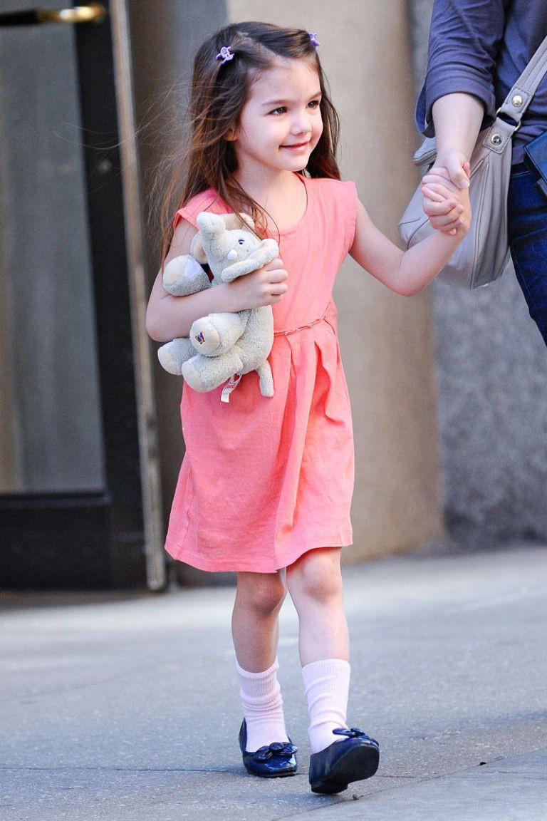 Hành trình nhan sắc 2 công chúa nhà sao hot nhất Hollywood: Harper Beckham xinh ra, Suri Cruise ngày càng bị dìm - Ảnh 26.