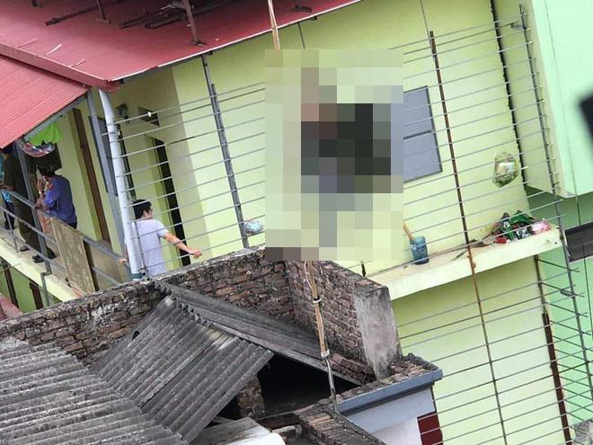 Bắc Ninh: Bàng hoàng phát hiện nam thanh niên treo cổ tự tử bên ban công phòng trọ - Ảnh 1.