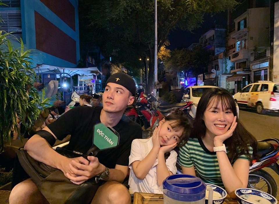 Mẹ bé Rồng (Người ấy là ai) trở lại Sài Gòn hội ngộ bạn trai và dẫn con đi thi người mẫu nhí - Ảnh 2.