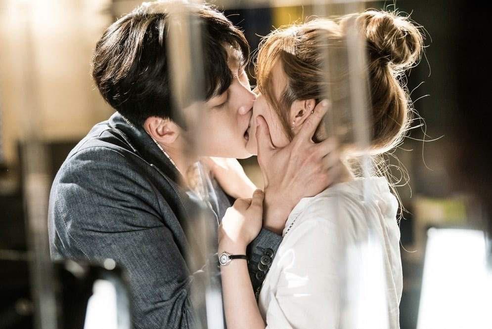 6 chàng trai vàng trong làng hôn giỏi xứ Hàn: Ji Chang Wook cũng phải chào thua màn đưa môi bạo liệt cuối cùng - Ảnh 9.