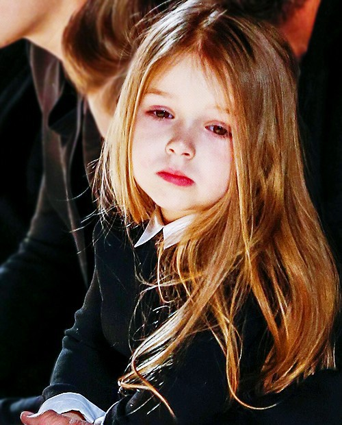 Hành trình nhan sắc 2 công chúa nhà sao hot nhất Hollywood: Harper Beckham xinh ra, Suri Cruise ngày càng bị dìm - Ảnh 10.