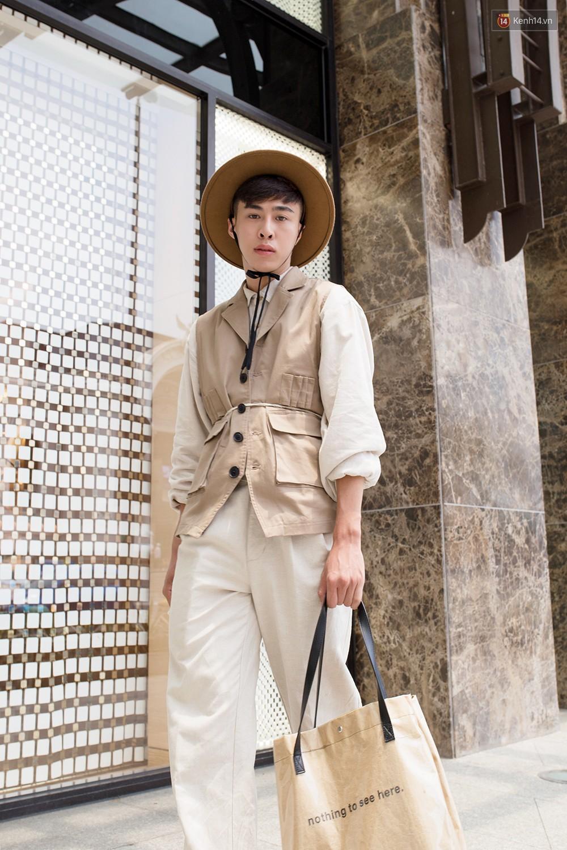 Street style giới trẻ Việt tuần qua: chẳng ưu tiên đồ mát mẻ, các bạn trẻ bất chấp mặc ngốt miễn sao có hình OOTD thật chất - Ảnh 18.