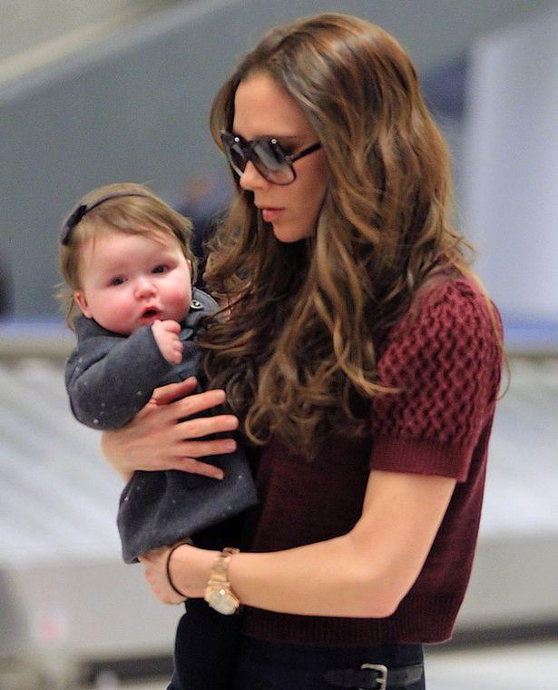 Hành trình nhan sắc 2 công chúa nhà sao hot nhất Hollywood: Harper Beckham xinh ra, Suri Cruise ngày càng bị dìm - Ảnh 2.