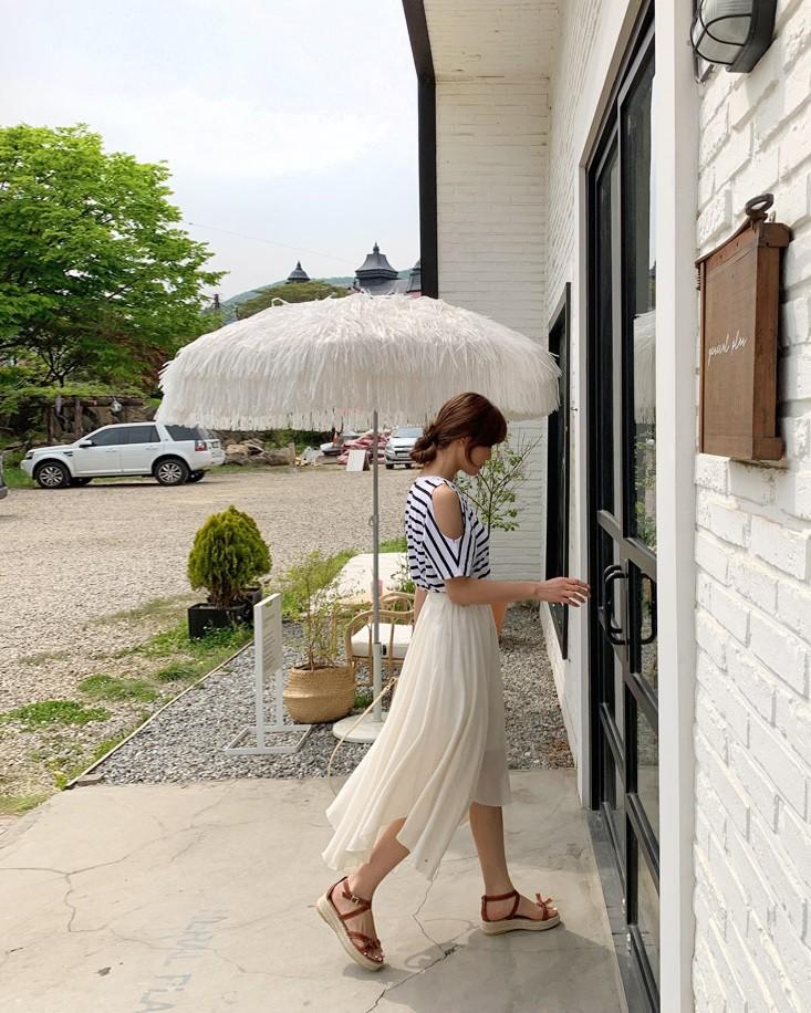 Ít ai biết rằng: Chân váy cũng có thể kéo chân dài miên man nếu bạn chọn 4 kiểu dáng này - Ảnh 16.