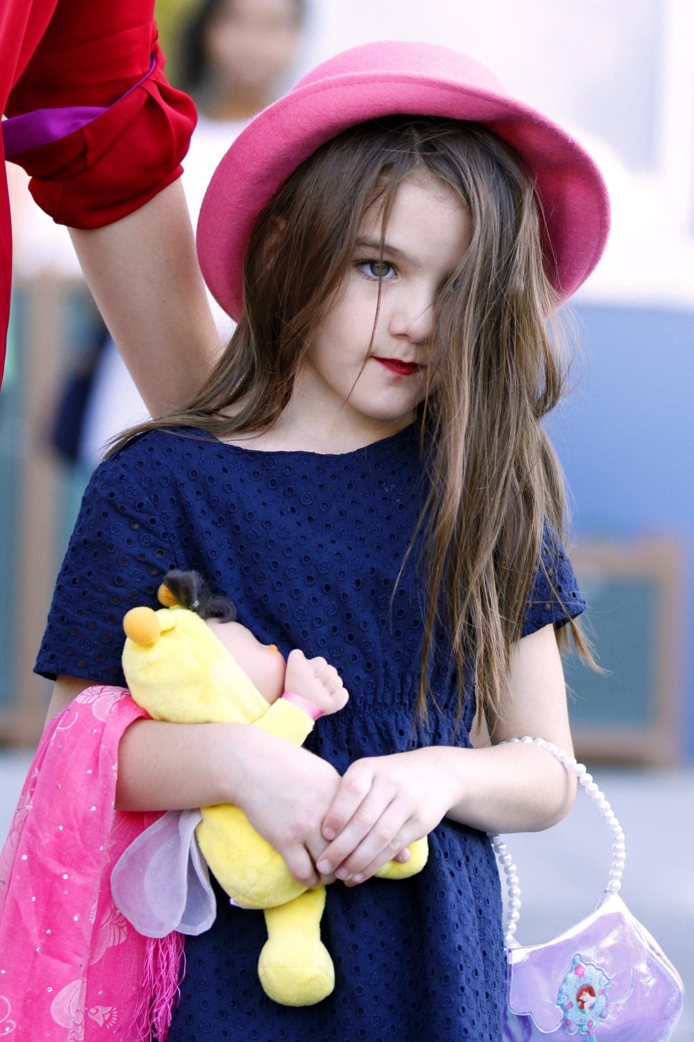 Hành trình nhan sắc 2 công chúa nhà sao hot nhất Hollywood: Harper Beckham xinh ra, Suri Cruise ngày càng bị dìm - Ảnh 24.