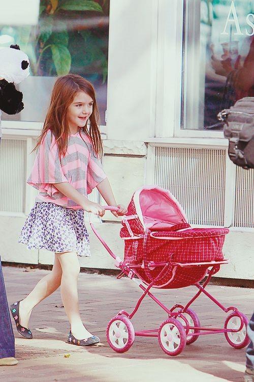 Hành trình nhan sắc 2 công chúa nhà sao hot nhất Hollywood: Harper Beckham xinh ra, Suri Cruise ngày càng bị dìm - Ảnh 25.