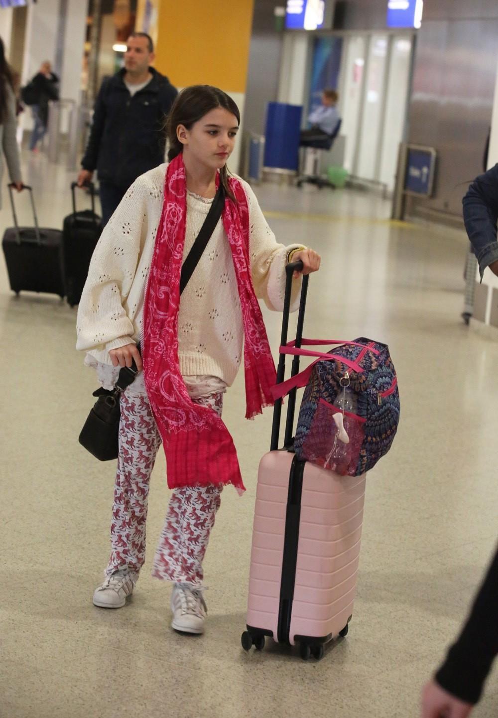 Hành trình nhan sắc 2 công chúa nhà sao hot nhất Hollywood: Harper Beckham xinh ra, Suri Cruise ngày càng bị dìm - Ảnh 31.