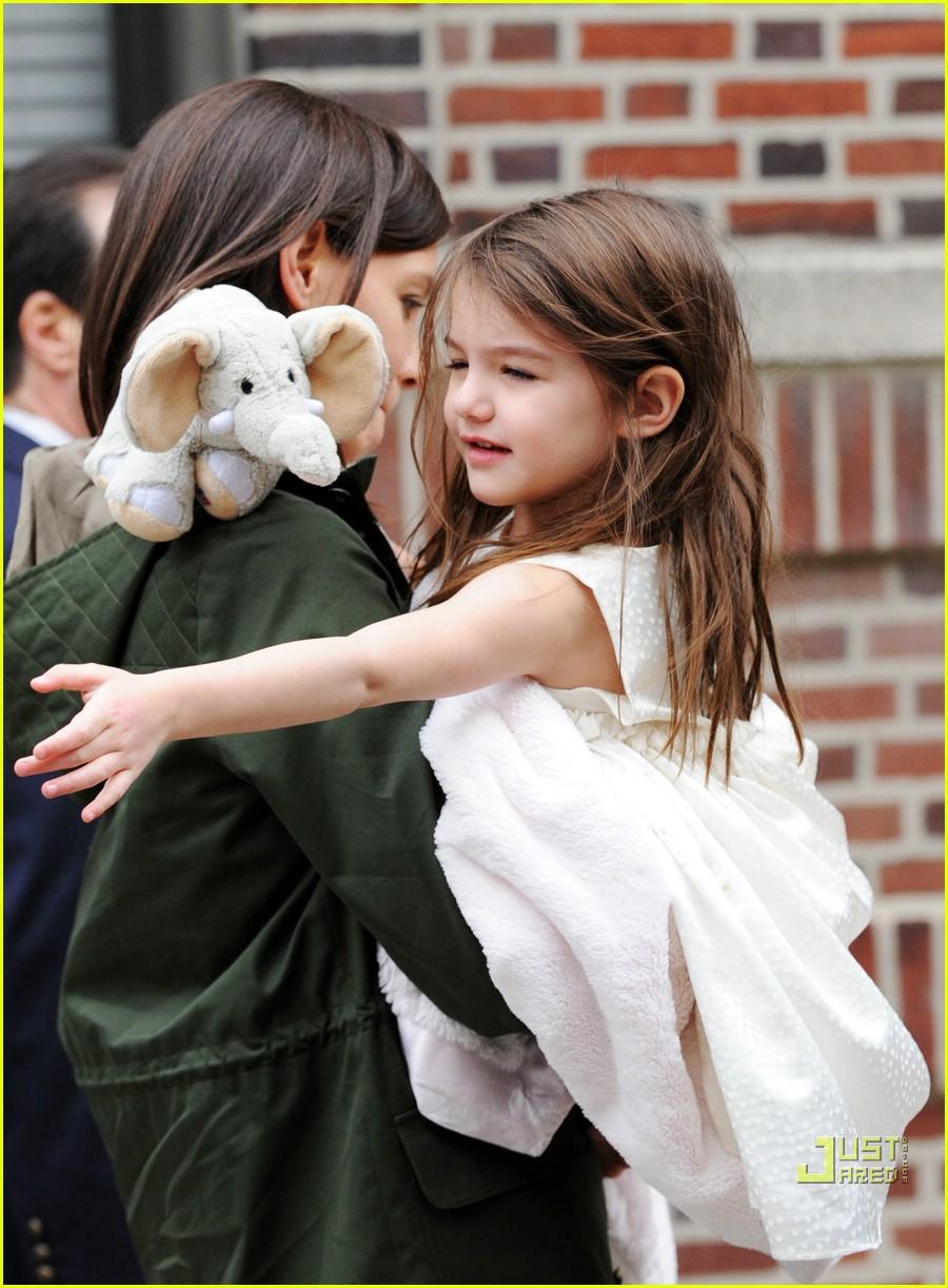 Hành trình nhan sắc 2 công chúa nhà sao hot nhất Hollywood: Harper Beckham xinh ra, Suri Cruise ngày càng bị dìm - Ảnh 21.