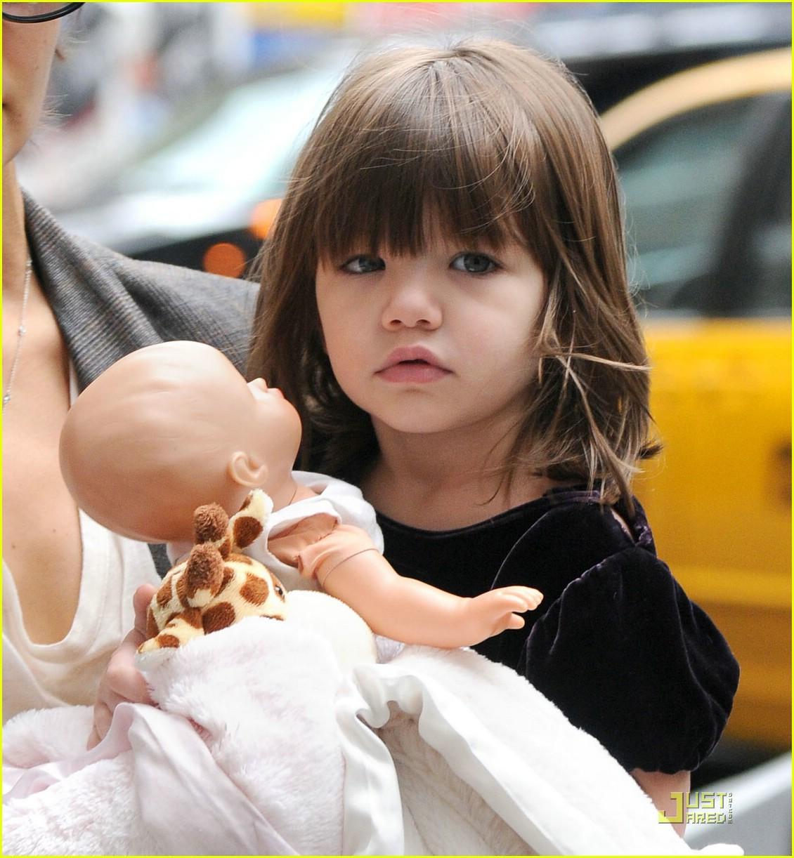 Hành trình nhan sắc 2 công chúa nhà sao hot nhất Hollywood: Harper Beckham xinh ra, Suri Cruise ngày càng bị dìm - Ảnh 18.