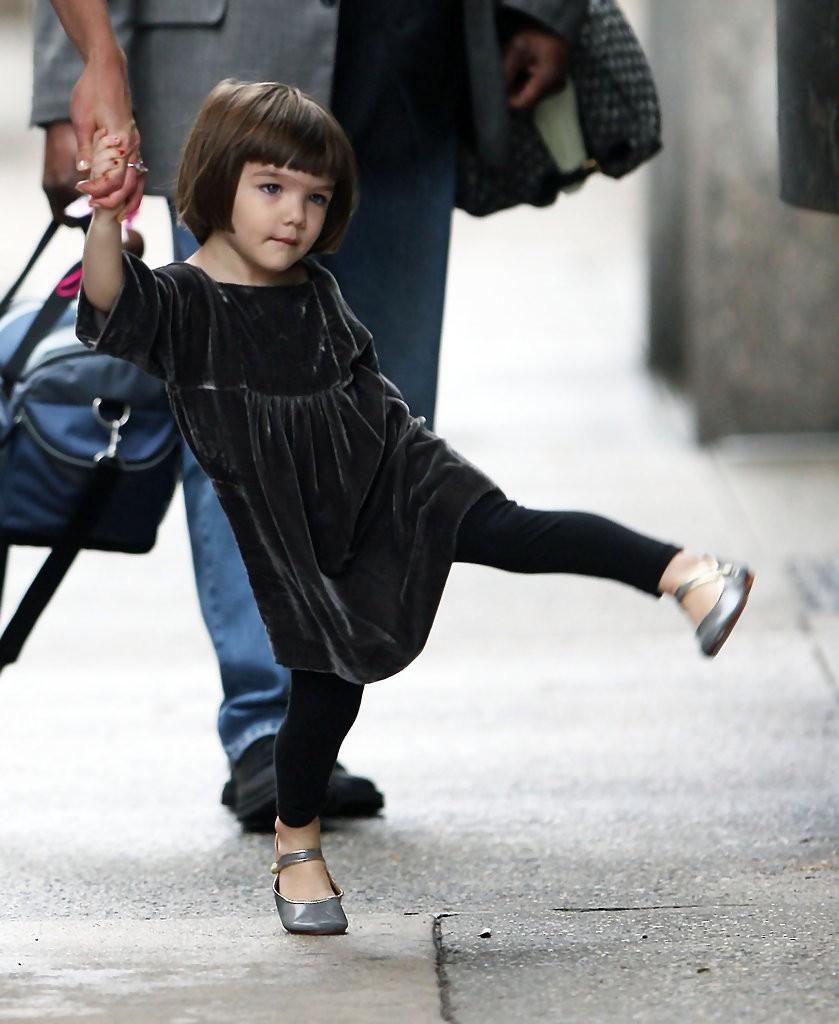 Hành trình nhan sắc 2 công chúa nhà sao hot nhất Hollywood: Harper Beckham xinh ra, Suri Cruise ngày càng bị dìm - Ảnh 19.