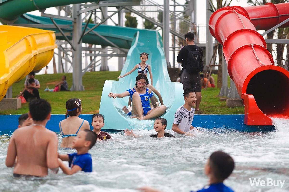 Review chi tiết công viên nước siêu to khổng lồ Thanh Hà: Trẻ em thích mê, người lớn có chút hụt hẫng - Ảnh 14.