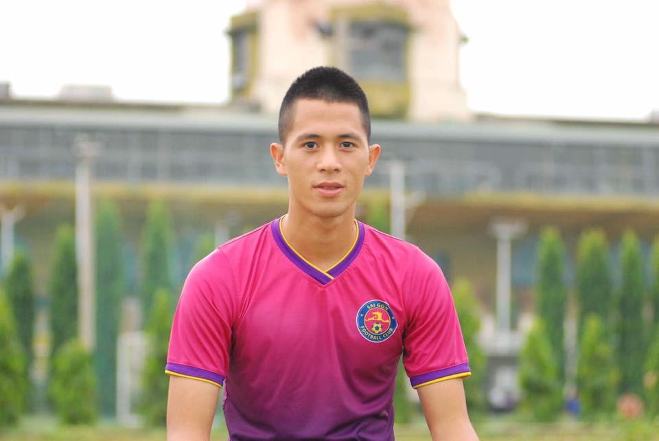 Ngày hè oi ả, cùng điểm danh những kiểu đầu húi cua của dàn tuyển thủ Việt - Ảnh 4.