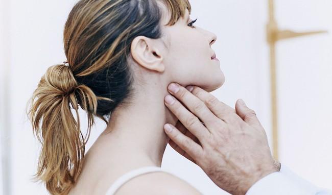 Tự chữa bệnh về tuyến giáp bằng phương pháp thầy lang, cô gái Hải Phòng bị nhiễm trùng nghiêm trọng vùng cổ - Ảnh 5.