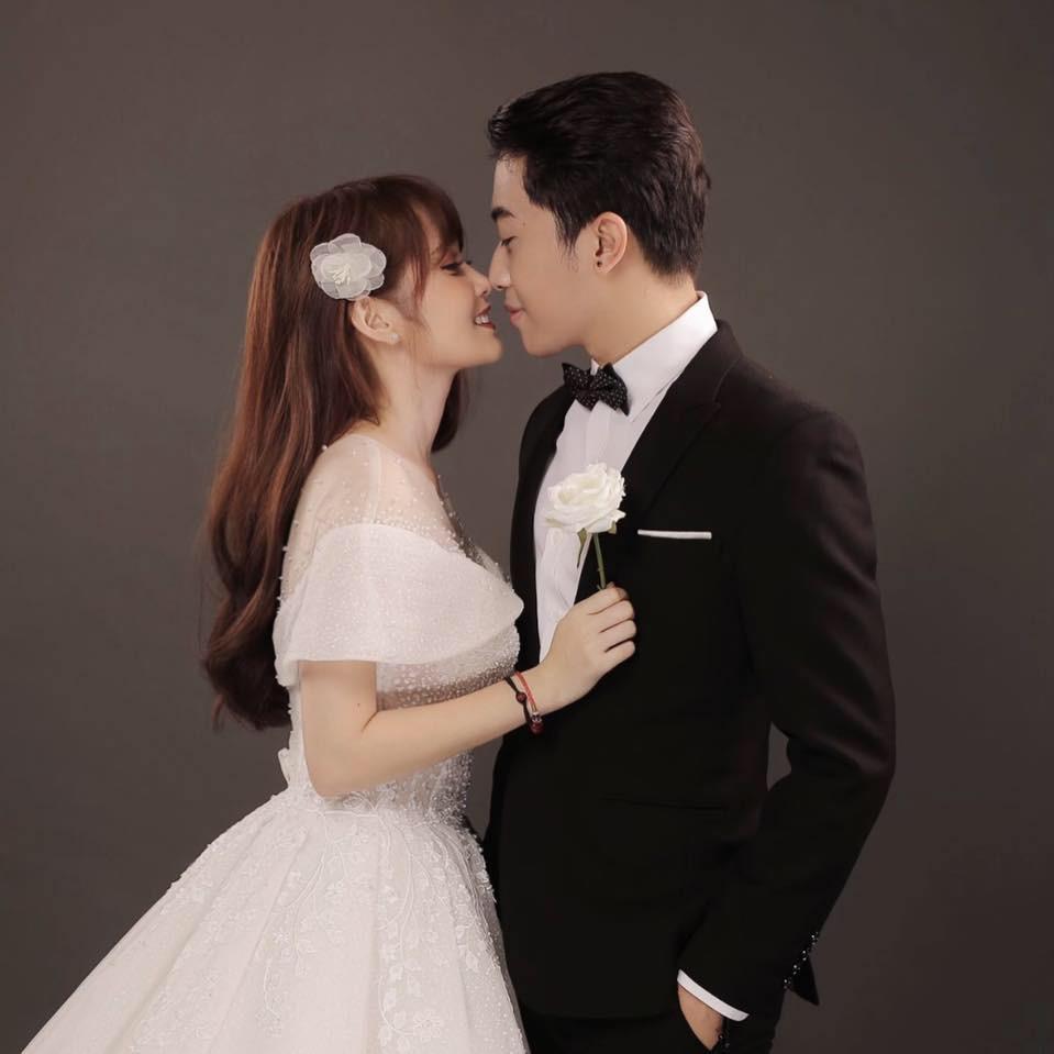 Trước thềm đám cưới siêu to khổng lồ của hot streamer Cris Phan - Mai Quỳnh Anh, fan lục lại khoảnh khắc lầy lội siêu cấp của cặp đôi - Ảnh 9.