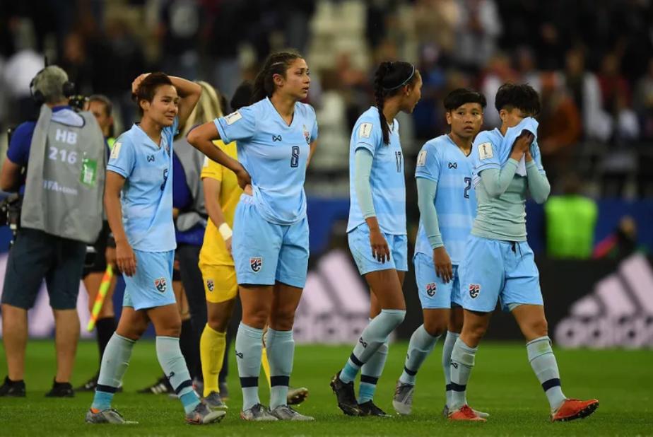 Báo Thái Lan không thể tin nổi, dùng từ kinh hoàng để mô tả thất bại thê thảm của đội nhà tại World Cup - Ảnh 2.
