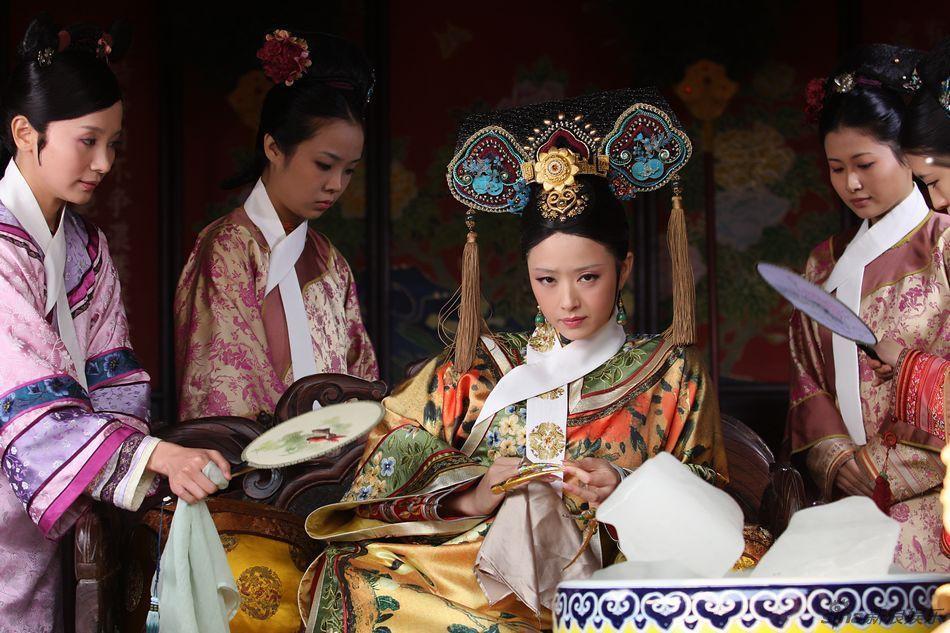 Tưởng Hân: Hoa phi vé vớt sau cái lắc đầu của Phạm Băng Băng, được nhiều người yêu mến nhưng lẻ bóng ở tuổi 36 - Ảnh 11.