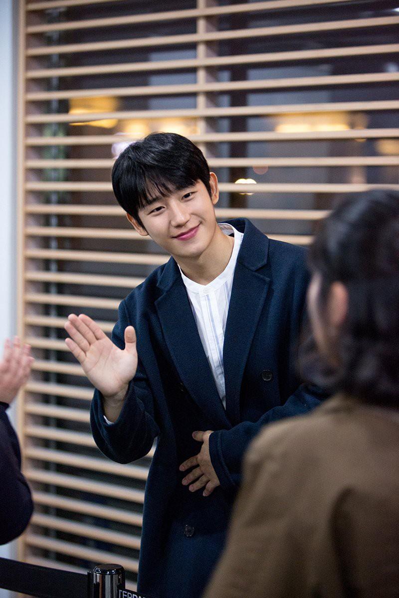 Song Joong Ki thua đau trước Jung Hae In, ngậm ngùi nhìn đàn em leo lên No.1 hot nhất tuần! - Ảnh 3.