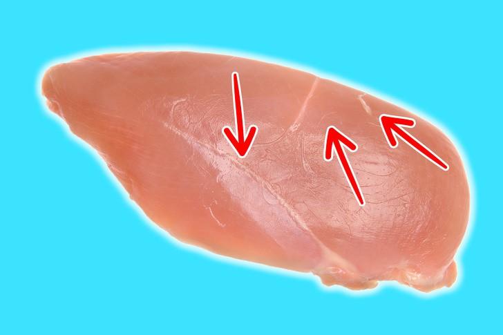 Sự thật về những miếng ức gà có sọc trắng: Ăn cũng không sao, nhưng đằng sau là một sự thật đáng buồn - Ảnh 1.