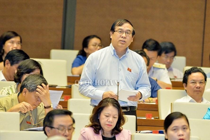 Đề xuất công dân Việt Nam xuất cảnh phải đóng phí chia tay - Ảnh 1.