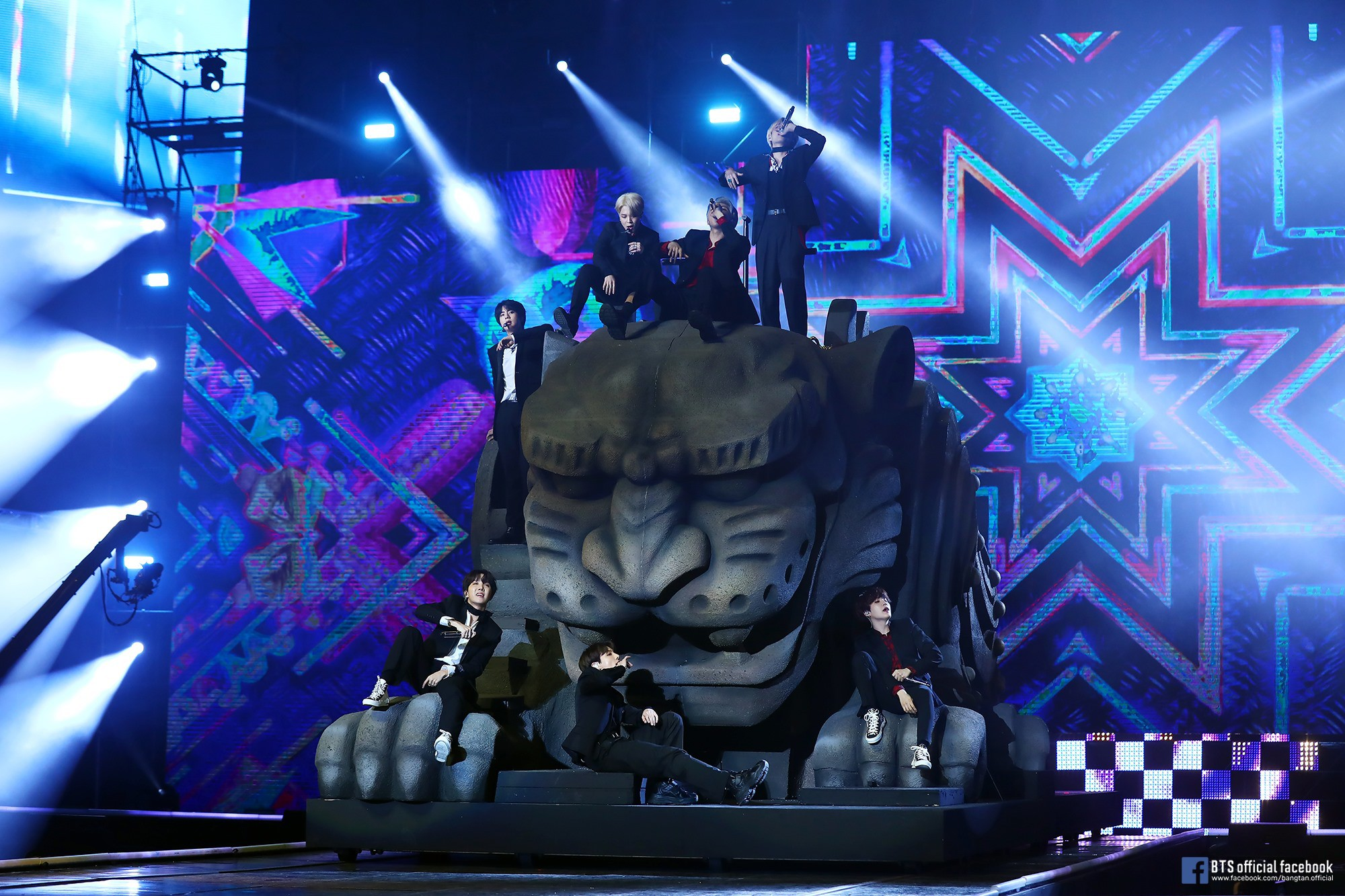 Từ concert Wembley lịch sử cho đến hội đồng bỏ phiếu của giải Grammy: sẽ không có một BTS kết thúc ở hai từ hiện tượng - Ảnh 4.