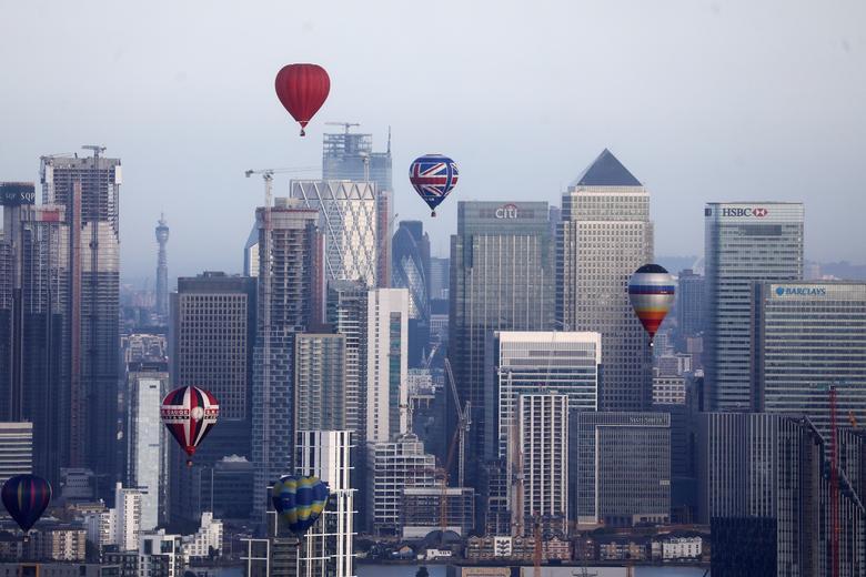 Khinh khí cầu đủ màu sắc rợp trời thủ đô London của Anh - Ảnh 12.