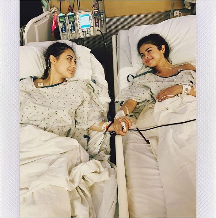 Selena Gomez lộ nọng cằm, bụng to bất thường nhưng nguyên nhân sau đó khiến ai cũng phải xót xa - Ảnh 4.
