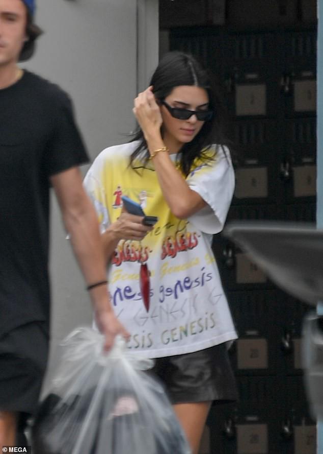4 chân dài 9X hot nhất Hollywood đọ sắc chan chát: Vợ Justin áp đảo chị em nhà Hadid, Kendall Jenner gây thất vọng - Ảnh 6.