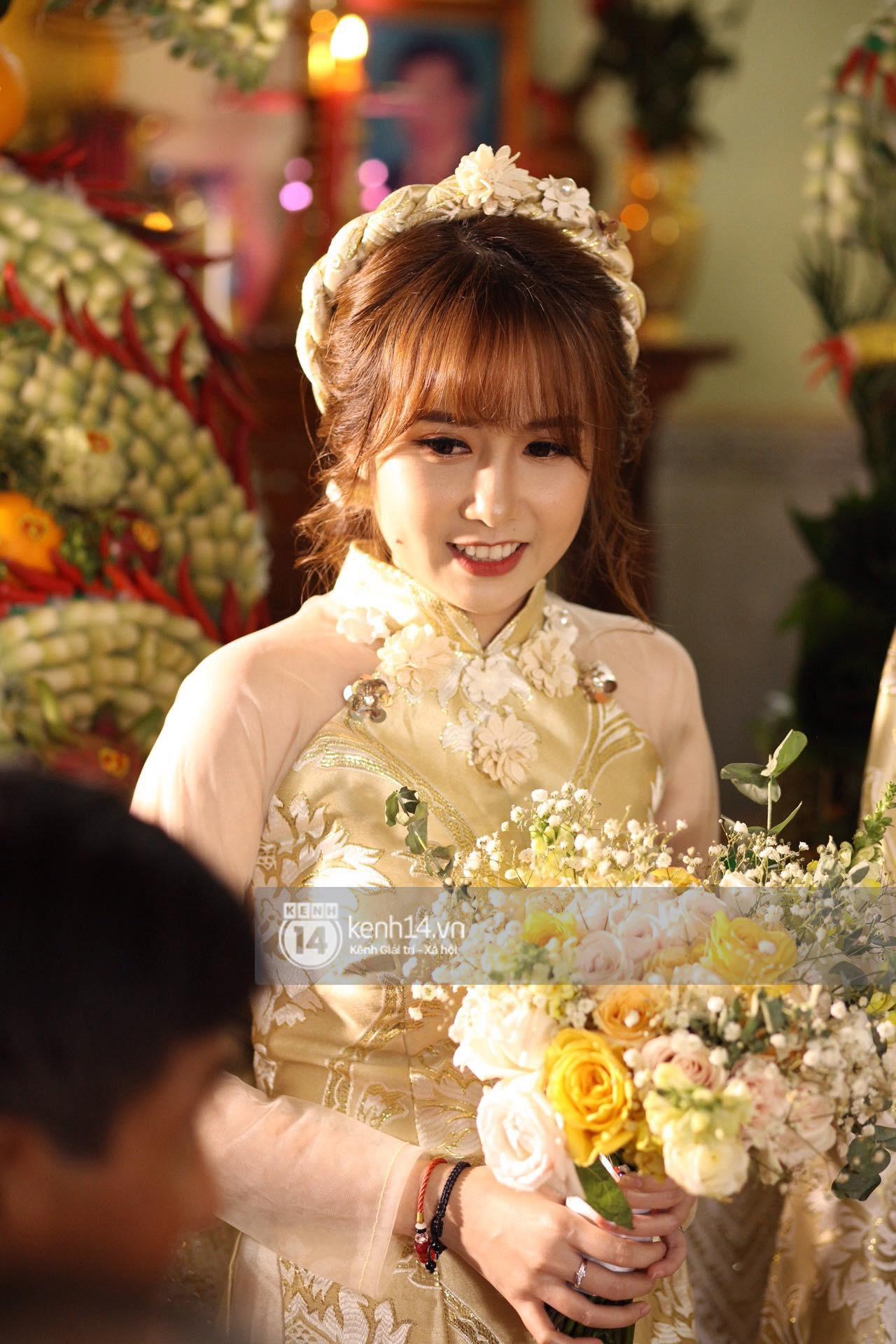 Cris Phan diện vest lịch lãm sánh đôi cùng Mai Quỳnh Anh khui sâm banh ở nhà hàng tiệc cưới - Ảnh 10.