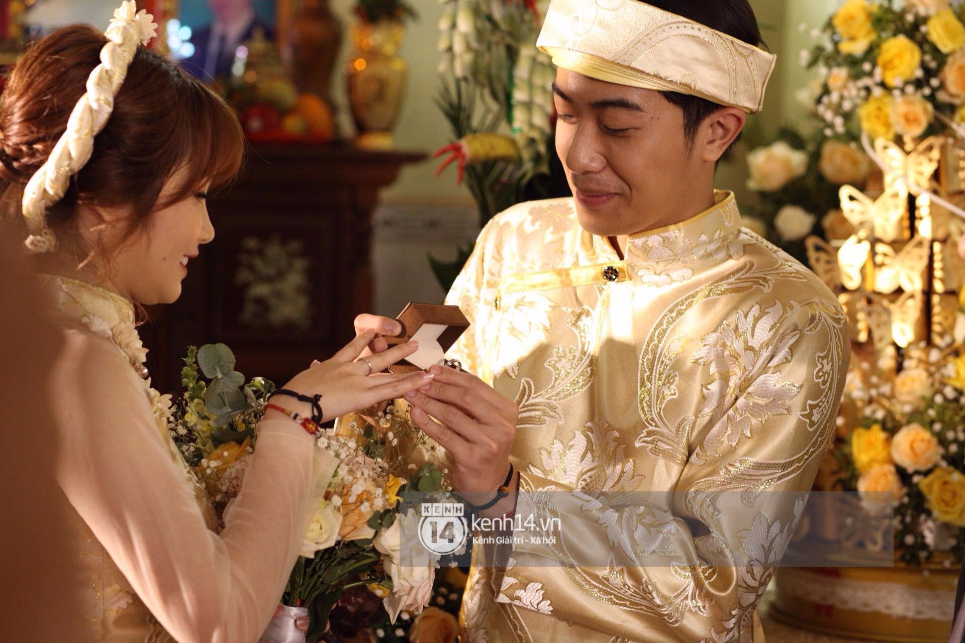 Chùm ảnh rạng rỡ của Cris Phan và Mai Quỳnh Anh trong lễ cưới ở Phú Yên - Ảnh 2.