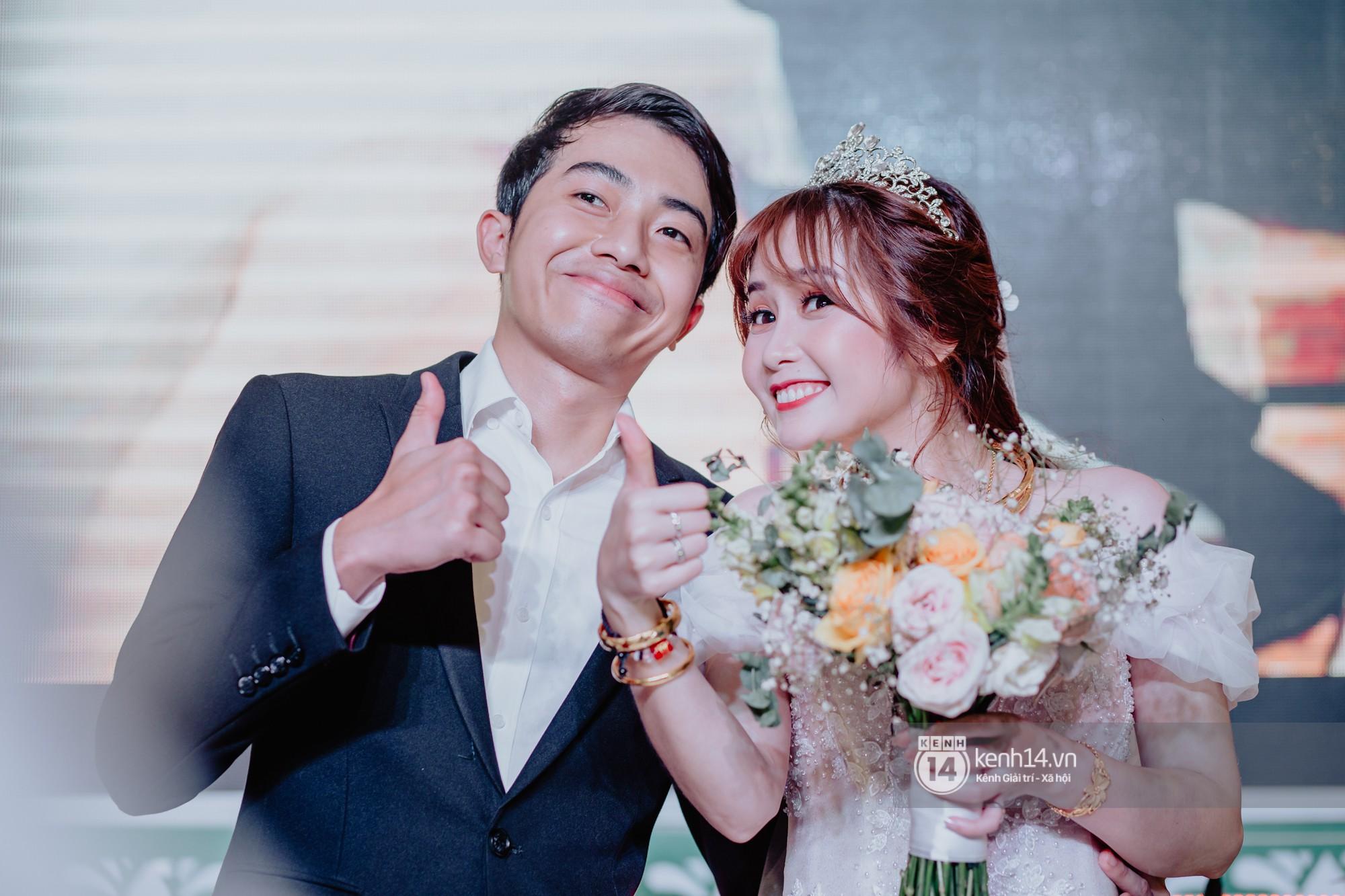 Cris Phan diện vest lịch lãm sánh đôi cùng Mai Quỳnh Anh khui sâm banh ở nhà hàng tiệc cưới - Ảnh 26.