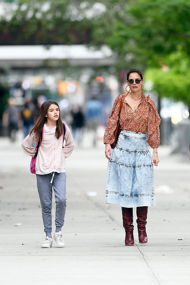 Hành trình nhan sắc 2 công chúa nhà sao hot nhất Hollywood: Harper Beckham xinh ra, Suri Cruise ngày càng bị dìm - Ảnh 36.
