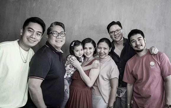 Mỹ nhân đẹp nhất Philippines Marian Rivera khoe ảnh ngày đầu đi làm sau sinh, nhưng chi tiết đặc biệt trong ảnh khiến người mẹ nào cũng đồng cảm - Ảnh 2.