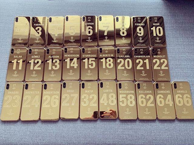 Thắng giải to, trúng cả kho iPhone X mạ vàng: 27 cầu thủ Liverpool cùng HLV ẵm quà sau vô địch - Ảnh 3.