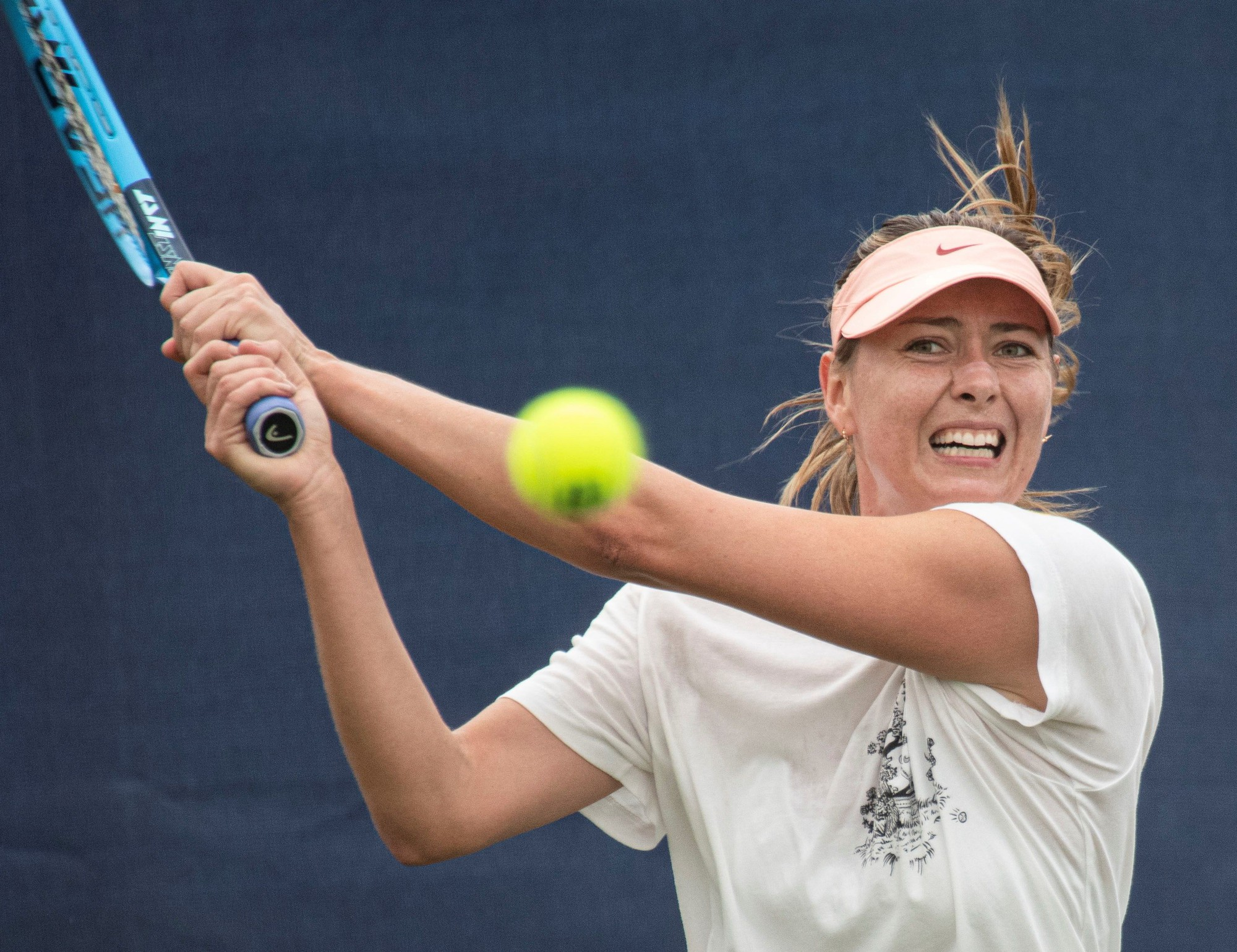 Không ai ngờ bước qua tuổi 32, nhan sắc của nữ hoàng quần vợt Maria Sharapova lại xuống dốc đến mức như thế này - Ảnh 2.