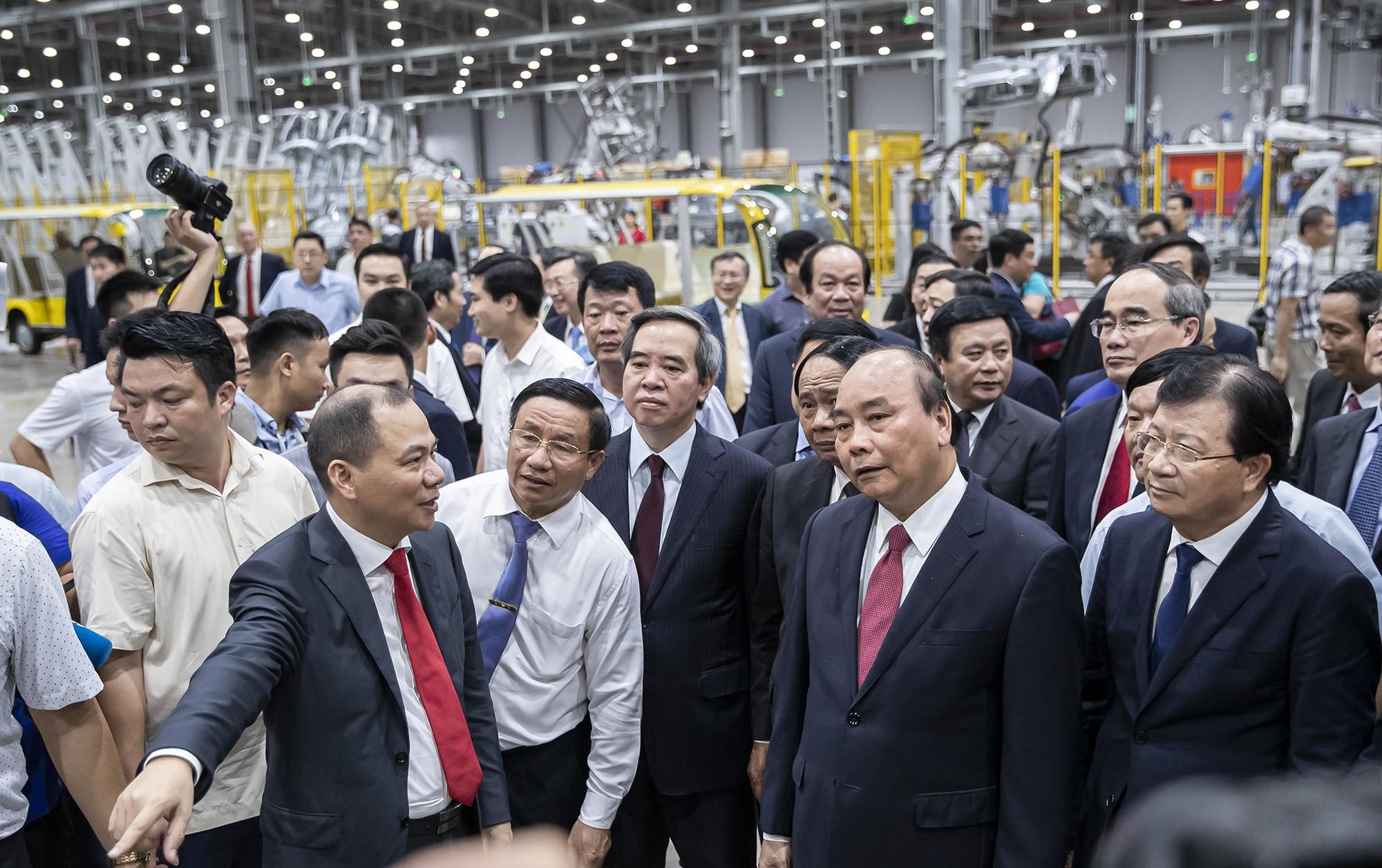 Clip kỳ tích 21 tháng của VinFast: Biến một vùng đầm lầy thành nhà máy sản xuất ô tô hàng đầu Đông Nam Á - Ảnh 5.
