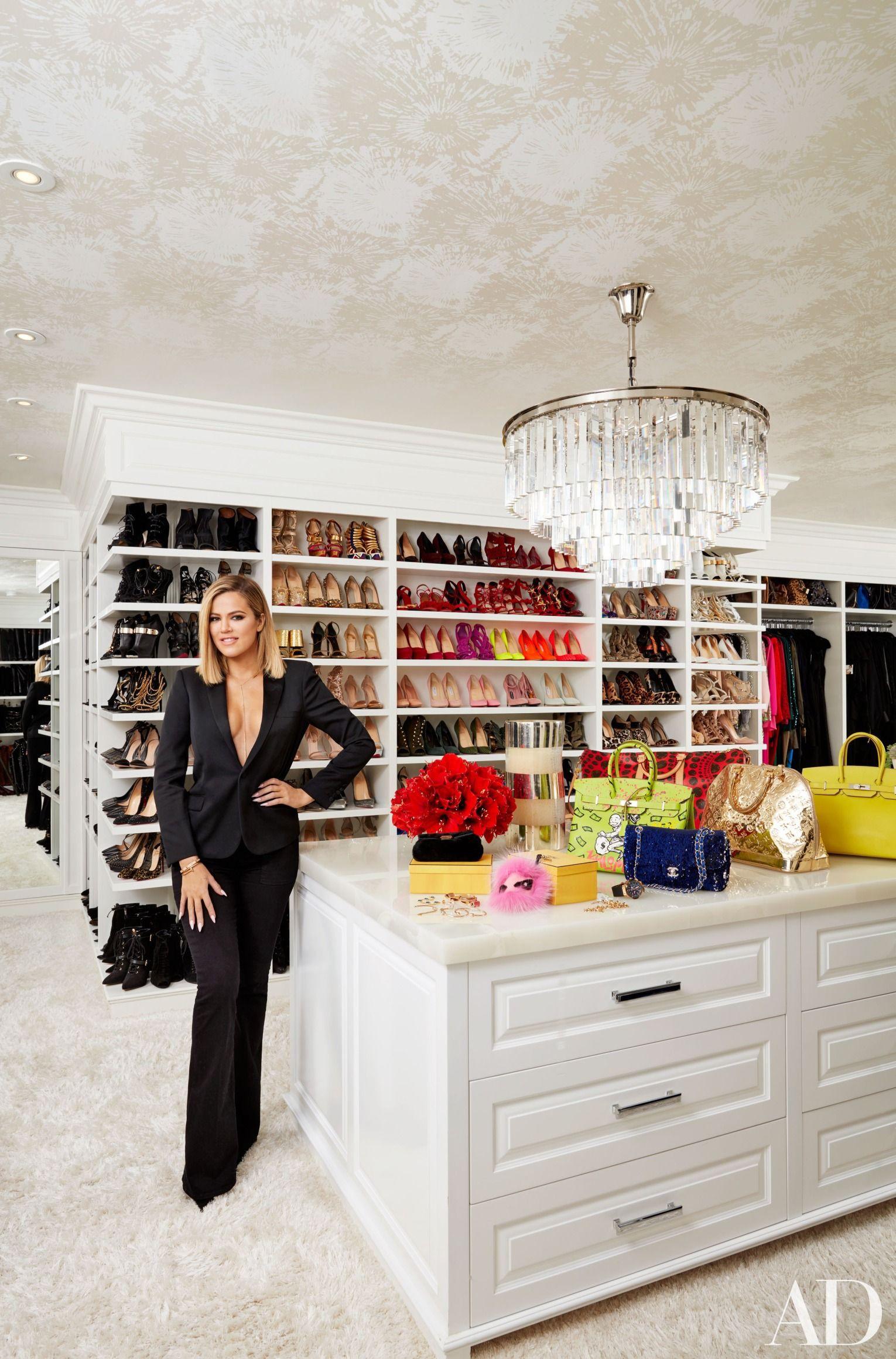 Chị em Hollywood khoe tủ đồ sang chảnh ngút ngàn, riêng của Britney thì đến fan còn bĩu môi chê là thua... chợ Bà Chiểu - Ảnh 7.