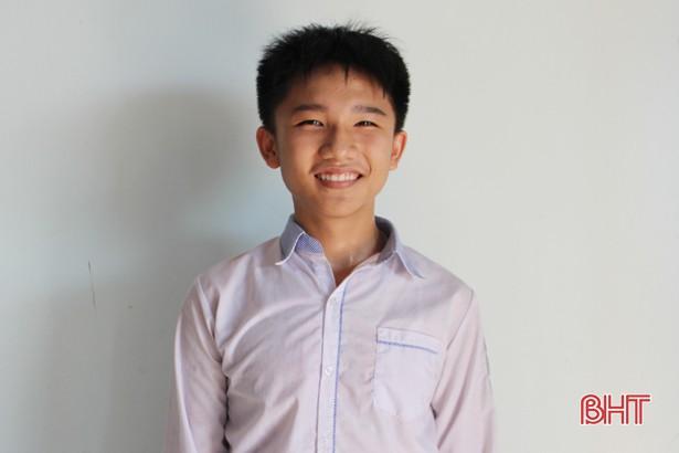Học sinh trường làng đạt điểm 10 duy nhất kỳ thi lớp 10 THPT Chuyên Hà Tĩnh - Ảnh 1.