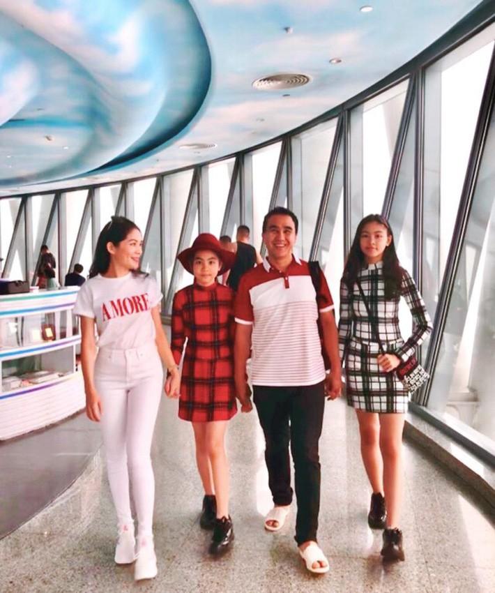 Đẹp cả đôi đã đành, con gái nhà MC Quyền Linh còn khiến dân tình ngưỡng mộ vì cách thể hiện tình cảm qua style - Ảnh 5.