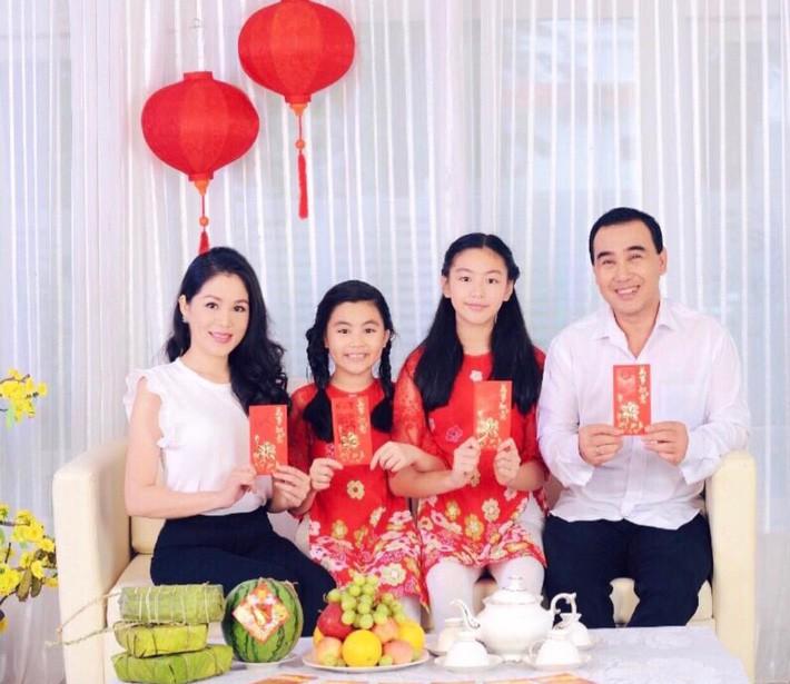 Đẹp cả đôi đã đành, con gái nhà MC Quyền Linh còn khiến dân tình ngưỡng mộ vì cách thể hiện tình cảm qua style - Ảnh 7.