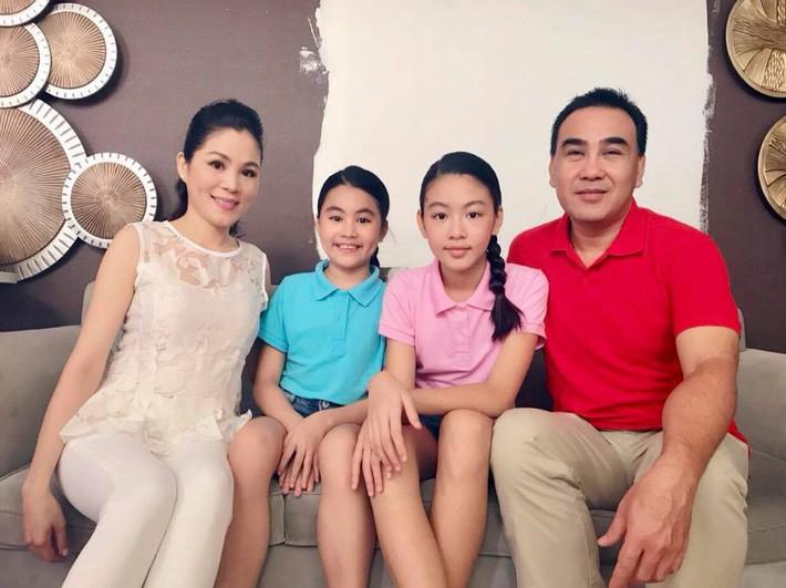 Đẹp cả đôi đã đành, con gái nhà MC Quyền Linh còn khiến dân tình ngưỡng mộ vì cách thể hiện tình cảm qua style - Ảnh 8.