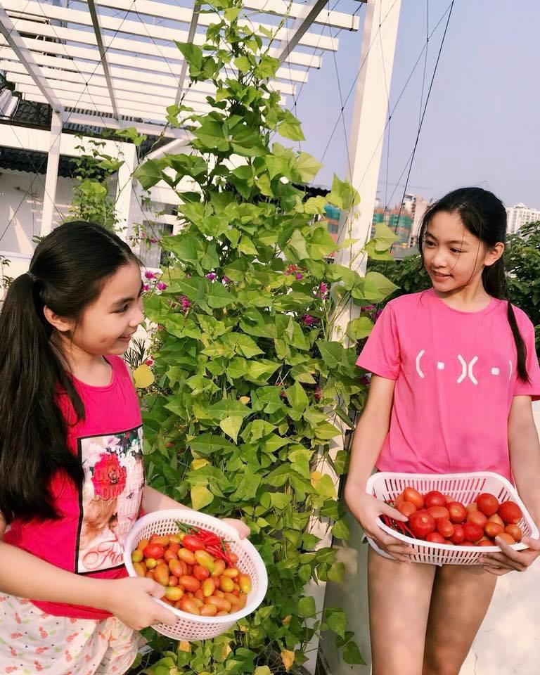 Đẹp cả đôi đã đành, con gái nhà MC Quyền Linh còn khiến dân tình ngưỡng mộ vì cách thể hiện tình cảm qua style - Ảnh 10.