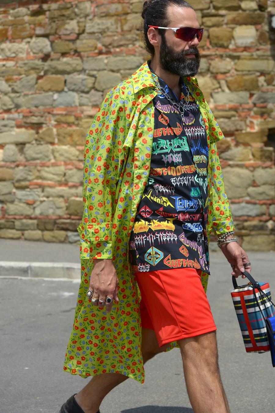 Màu mè và mát mẻ, phải chăng hình tượng những nam nhân mặc suit bảnh bao ở Pitti Uomo đã chết rồi? - Ảnh 5.