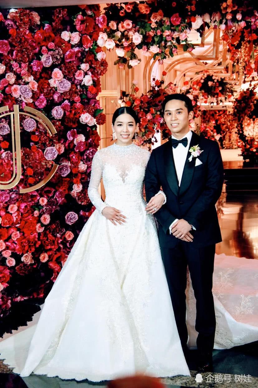 Thiên kim Hong Kong đeo trĩu cổ 30 vòng long phụng vàng ròng, ái nữ trùm sòng bạc Macau khệ nệ bụng bầu làm phù dâu - Ảnh 1.