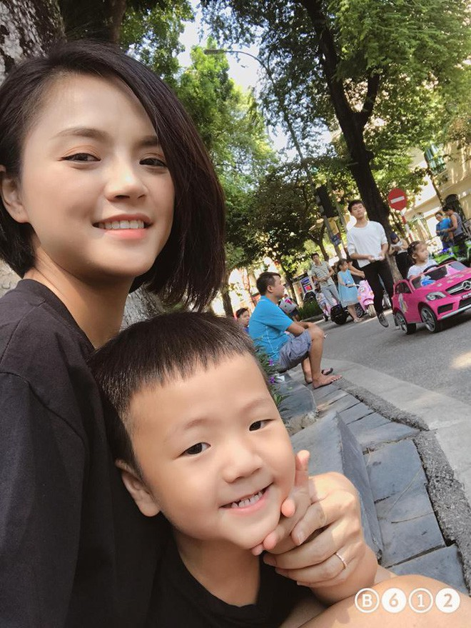 Con trai Thu Quỳnh siêu yêu siêu dễ thương cover 16s nhạc phim Về nhà đi con khiến dân mạng lập tức đổ rần rần - Ảnh 2.