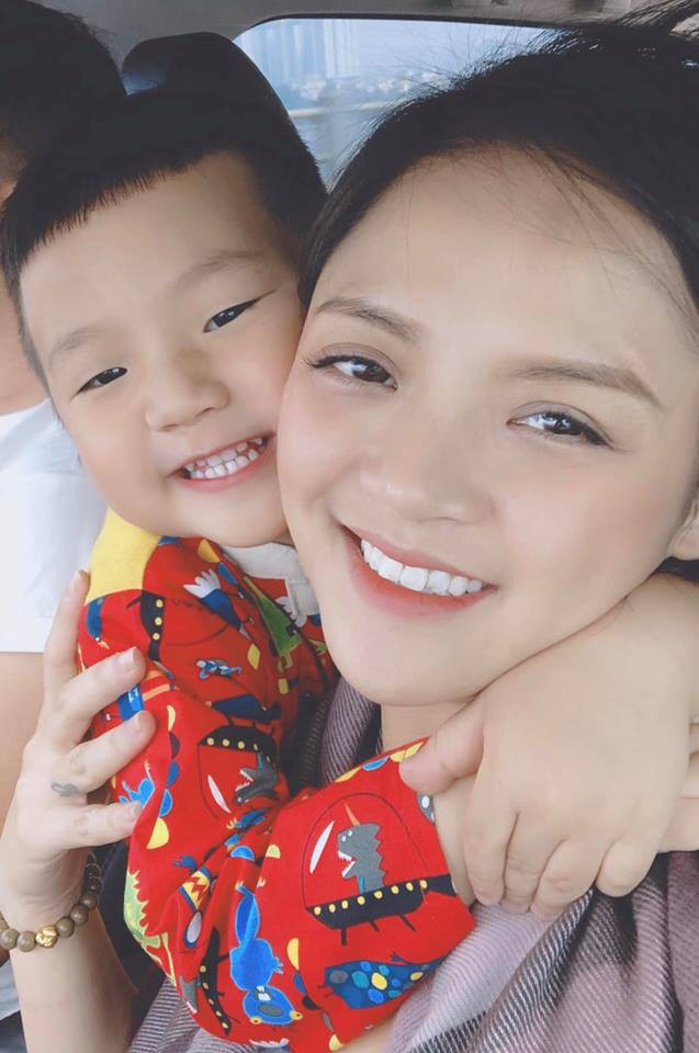 Con trai Thu Quỳnh siêu yêu siêu dễ thương cover 16s nhạc phim Về nhà đi con khiến dân mạng lập tức đổ rần rần - Ảnh 3.
